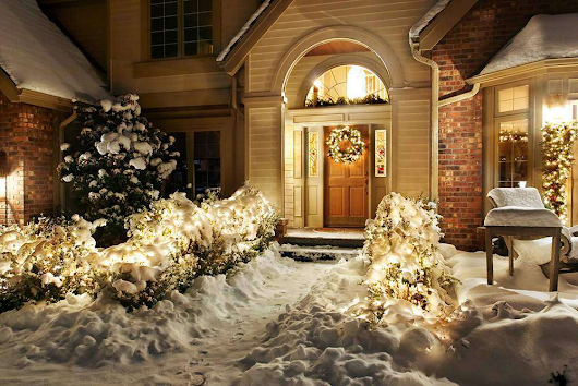 Winter maintenance tips for customers' landscape lighting