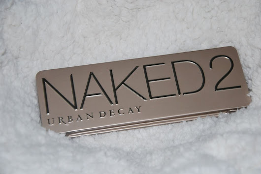 Revue Naked 2