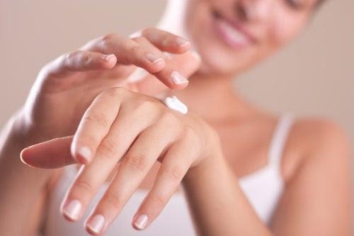Cremas para eliminar las manchas de las manos