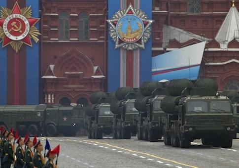 http://s3.freebeacon.com/up/2013/03/Russia-military-parade-AP.jpg