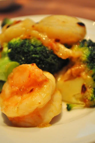 prawns and scallops w broccoli