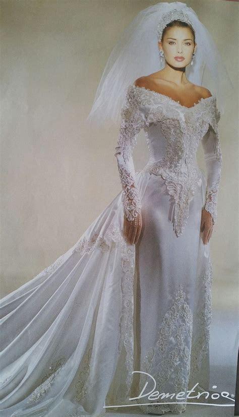 Best 85 1990 Wedding Gowns images on Pinterest   Short