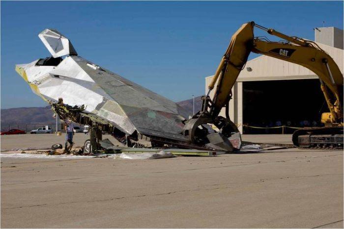 Disposal of Lockheed Martin F-117 Nighthawk (2)
