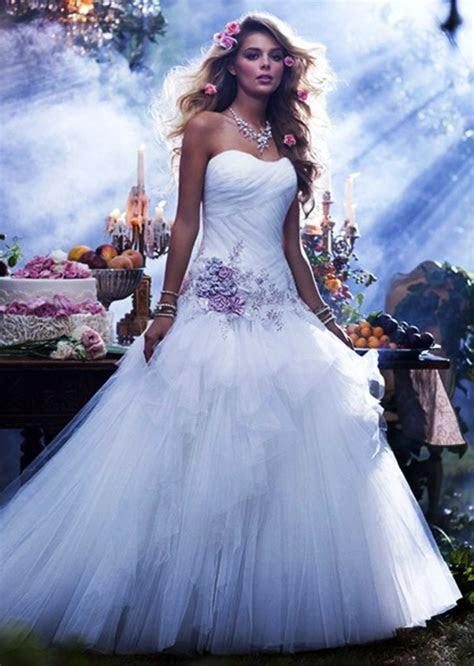 35 Beautiful Wedding Dress Ideas For Women To Try