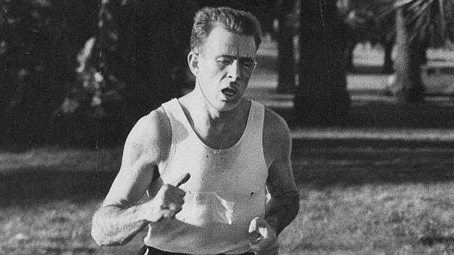 Marathon runner dave Power has dies after a long illness.