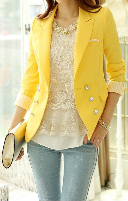 Pale jeans, lace, yellow blazer