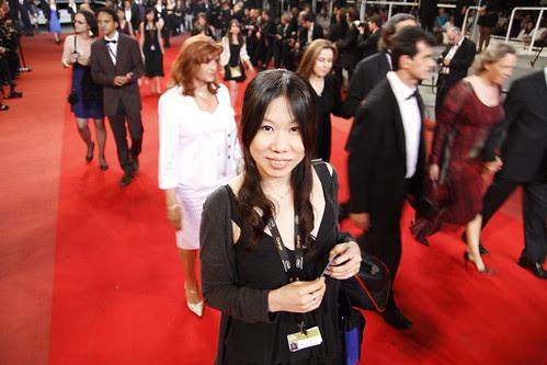 Yuiko walking on the red carpet