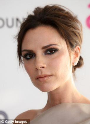 Em 2010, a direita, Victoria está começando a parecer visivelmente mais fino no rosto