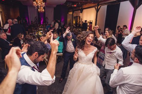 Wedding Songs to Get the Party Started   Phoenix Wedding Venue