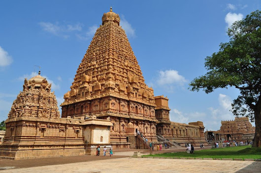 Brihadeeswara Temple – 1000-year-old Architecture