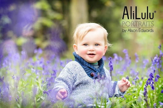 Child and Family Photographer Nottingham – Photos in bluebell woods