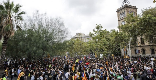 La Plaça Universitat, abarrotada. XAVI HERRERO