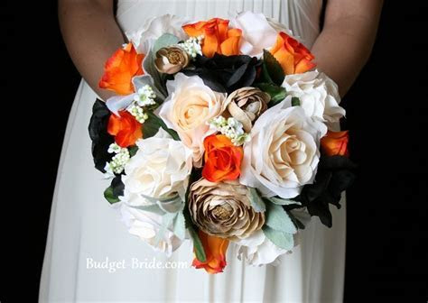 Black and orange wedding flowers don't care for the gold