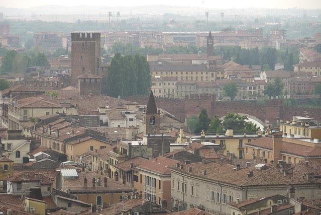 Museo Civico di Castelvecchio 史卡利傑羅城