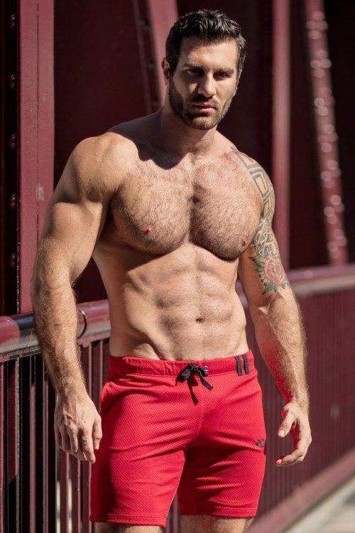 gayarkadaslik: Ne seski… Kırmızı şortlu erkek.. Man in red…...