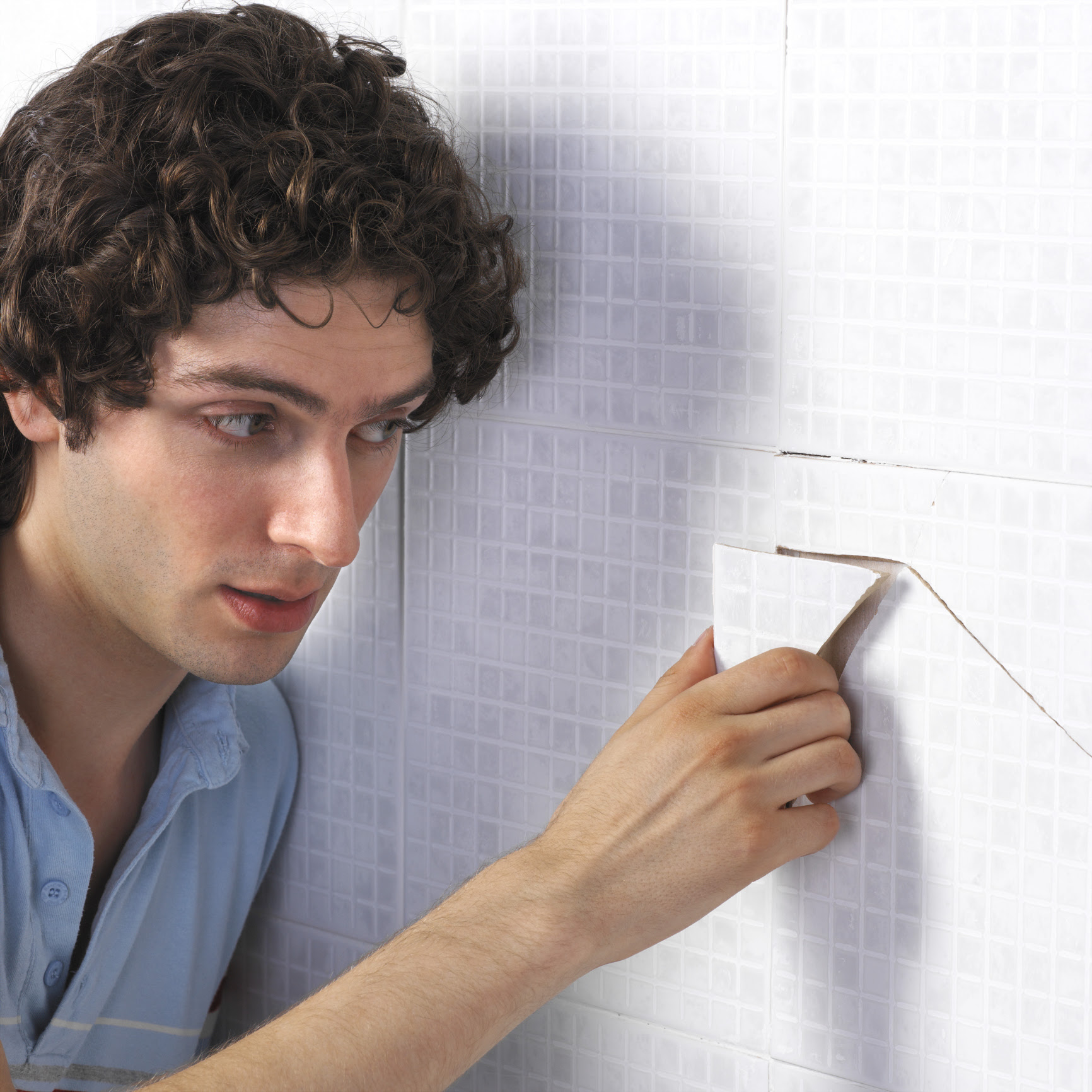 How to Remove Ceramic Wall Tile Without Damaging Drywall ...