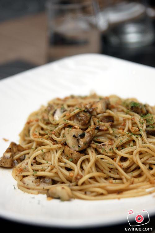d'ITALIANE-ITALIAN-RESTAURANT-SUNWAY-GIZA-spaghetti