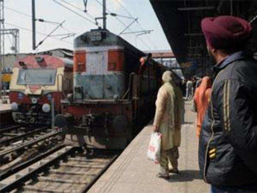 7,000 Indian railway stations could soon be digital hotspots - ETtech