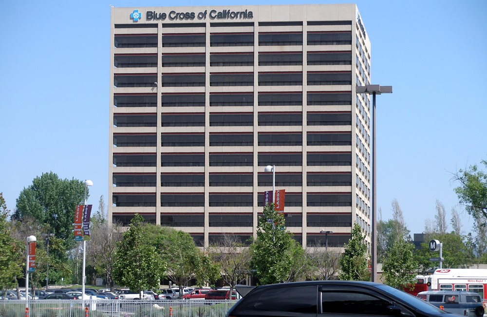 File:Blue Cross of California large group tower.jpg ...