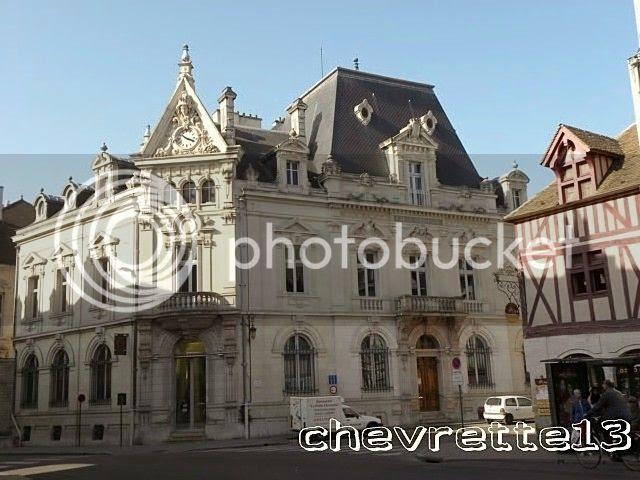 http://i1252.photobucket.com/albums/hh578/chevrette13/FRANCE/DSCN0684640x480_zpsd34720d8.jpg