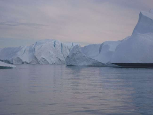 Οι πάγοι από τη Γροιλανδία λιώνουν στο Λονδίνο μεταφέροντας ένα «μήνυμα»