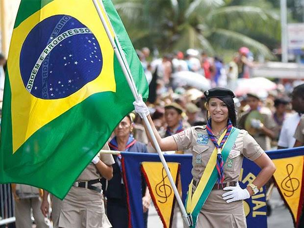 Desfile de sete de setembro começou às 8h40 em Natal (Foto: Elias Medeiros)