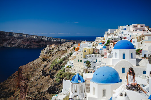 3 Surprisingly Simple Ways to Avoid the 2,000,000 Tourists in Santorini