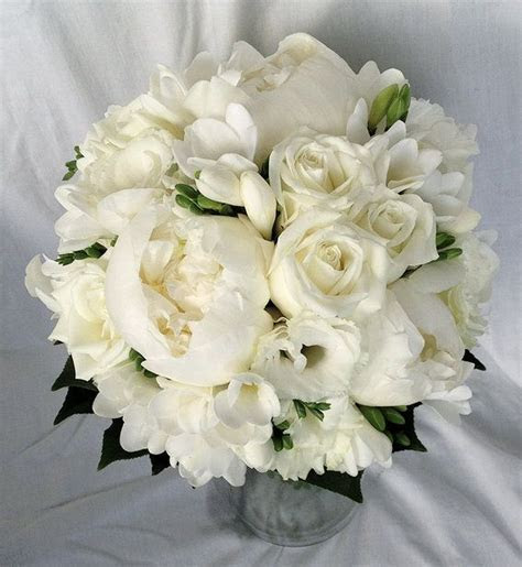 39 best images about White Bouquets on Pinterest   Green