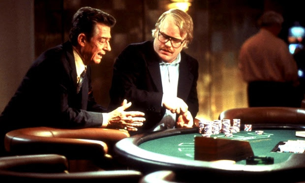 John Hurt and Philip Seymour Hoffman in Owning Mahoney (2003)