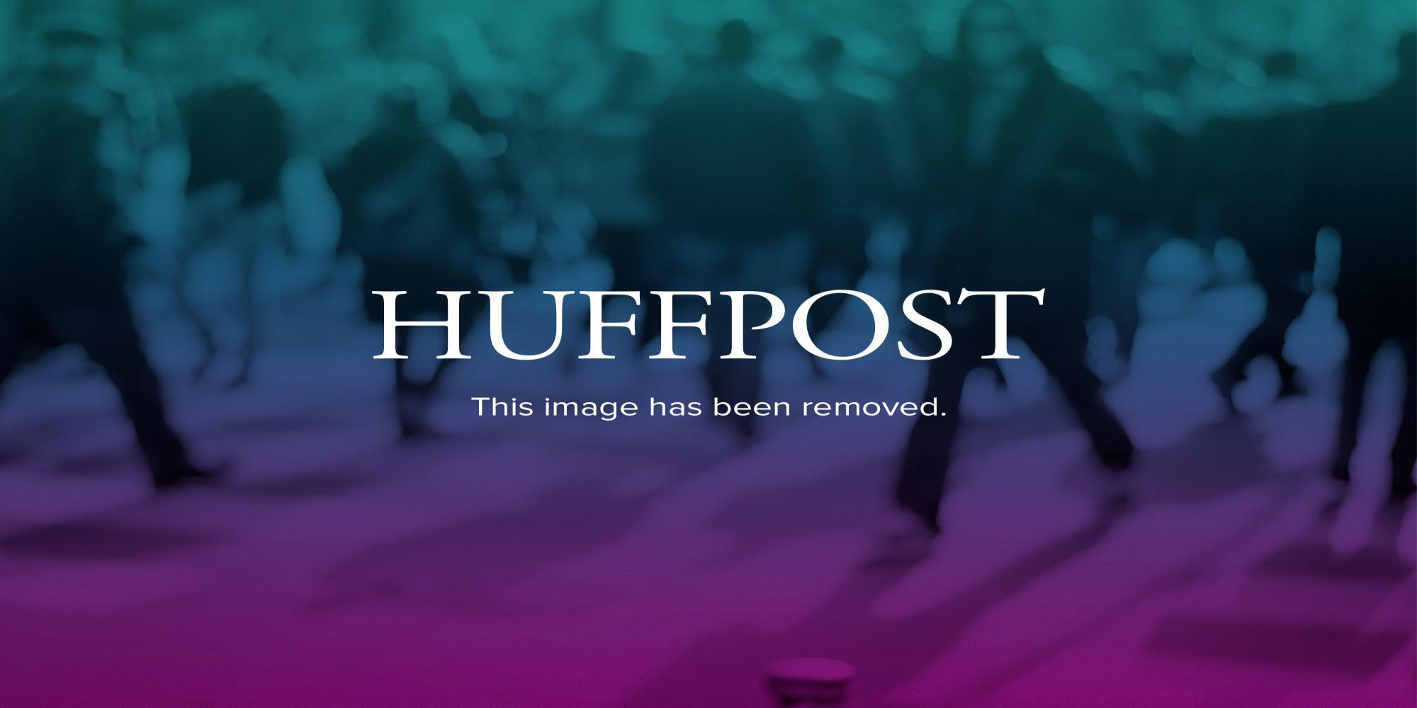 http://i.huffpost.com/gen/1965221/thumbs/o-RIOT-POLICE-FERGUSON-facebook.jpg