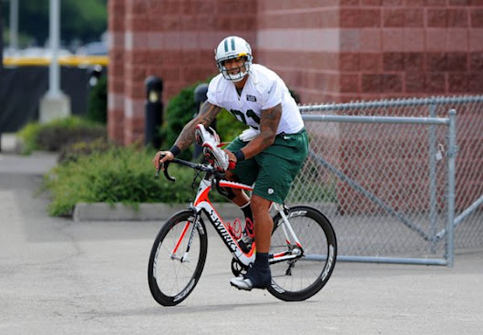 Kellen Winslow, whose motorcycle wreck almost cost him his career, now a bicycling enthusiast