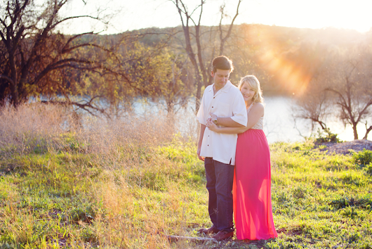 Silver Bee Photography Shares Why Austin's Bull Creek Park Is Ideal for Maternity Photography
