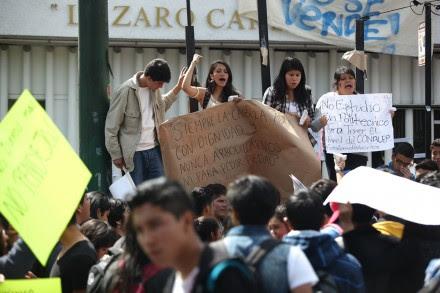 Estudiantes del IPN realizan plantones en contra del plan de estudios. Foto: Octavio Gómez