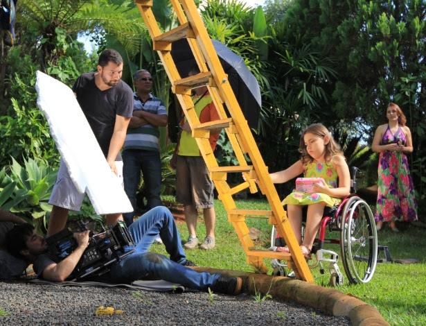 """Making of do filme """"Antes que os Pés Toquem o Céu"""", sobre a menina Íris Oliveira, diagnosticada com 1 ano e dois meses de vida com atrofia muscular espinhal (AME)"""