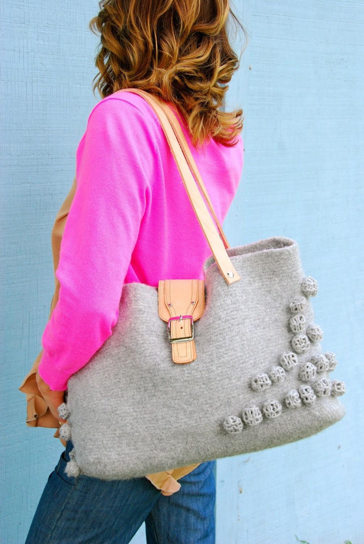 Bubbled large gray handbag