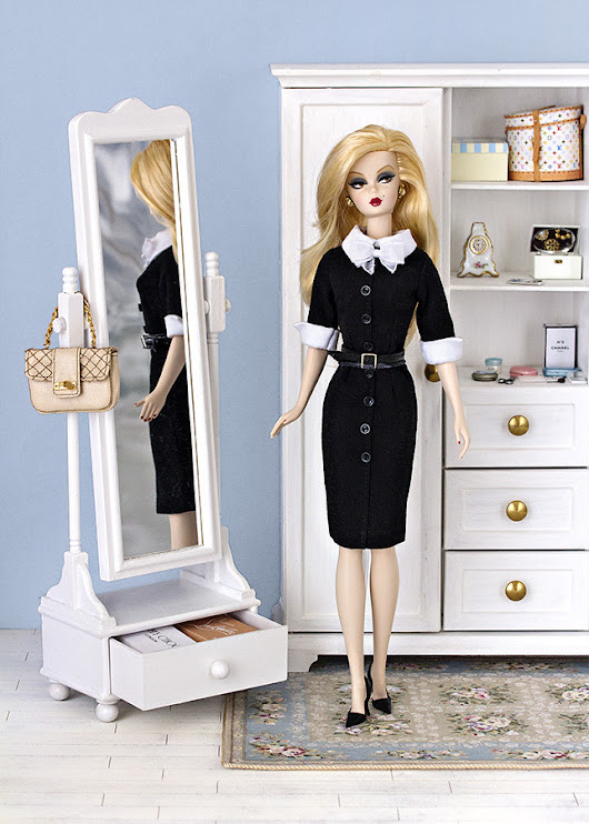 Shopgirl dress Barbie