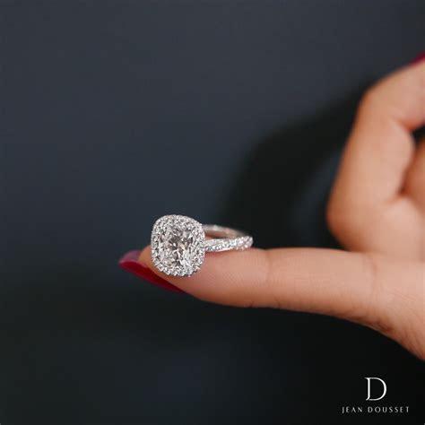 PIROUETTE SEAMLESS HALO unique diamond engagement ring