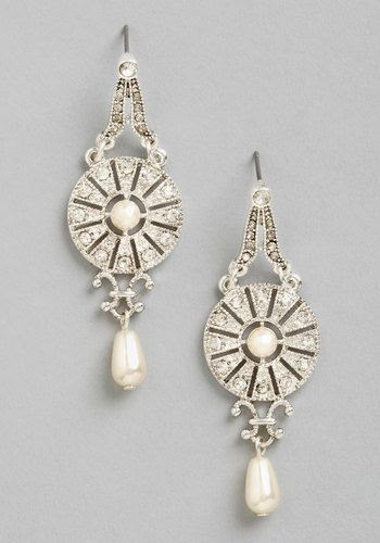 Art Deco pearl earrings | Cool Mom Picks