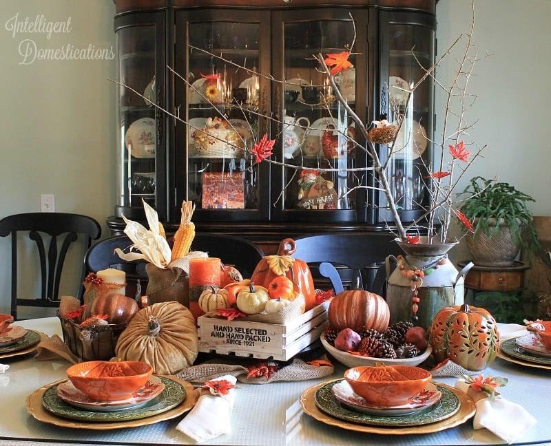 Farmhouse Style Fall Tablecape
