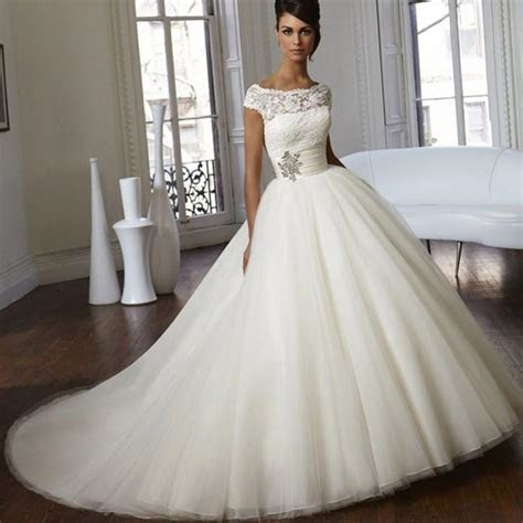 Plus size ball gown wedding dress   PlusLook.eu Collection