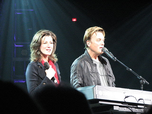 http://upload.wikimedia.org/wikipedia/commons/thumb/8/89/Amy_Grant_and_Michael_W_Smith.jpg/640px-Amy_Grant_and_Michael_W_Smith.jpg