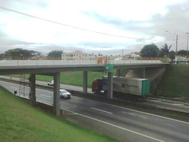 Viaduto de acesso a Caçapava é liberado após um mês (Foto: CCR NovaDutra/Divulgação)