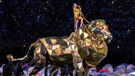 BBC News - Katy Perry spectacle wows Super Bowl