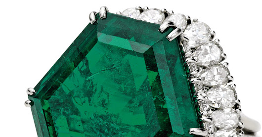 An Emerald With a History Goes to Auction - The New York Times