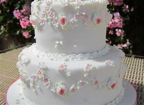 Wedding cake!   The Great British Bake Off