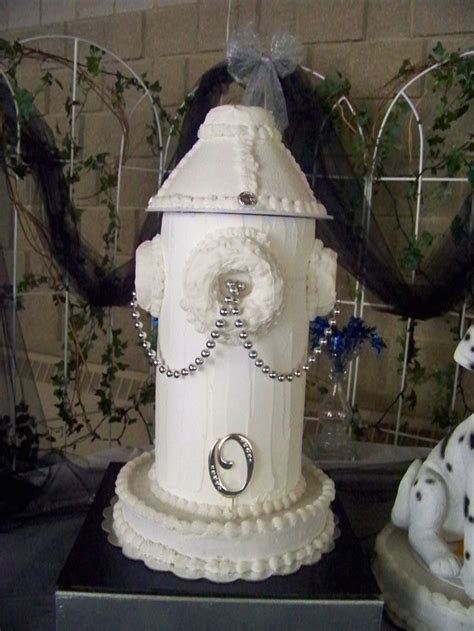 25  best ideas about Firefighter wedding cakes on