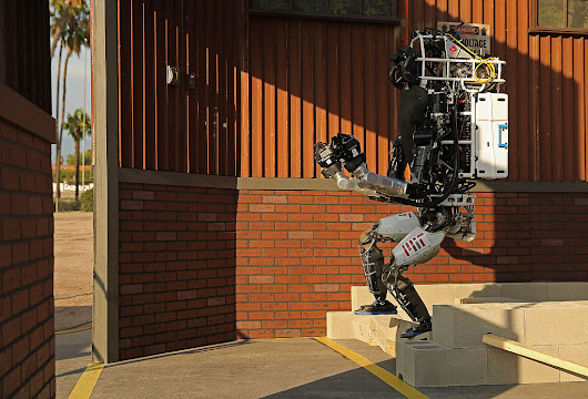 Robotic Exoskeletons: The Future Of Workplaces & Military Soldiers [VIDEO]