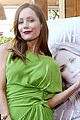 leslie mann is making us green with envy in pucci 05
