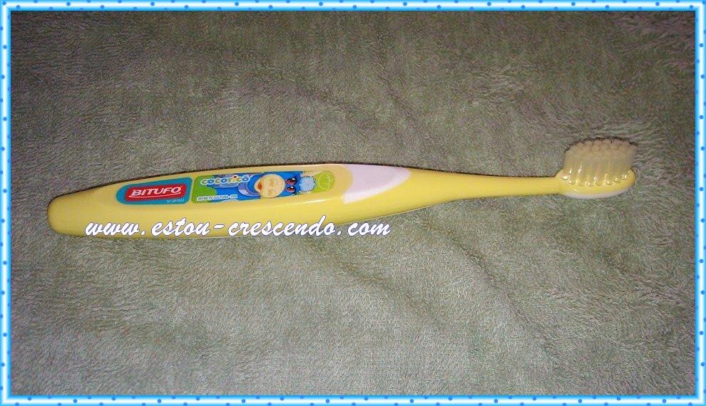 escovas de dentes cocoricó
