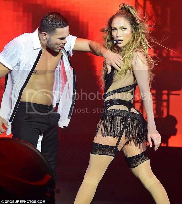 Jennifer Lopez's Bodysuits at Singapore Grand Prix photo jennifer-lopez-singapore-grand-prix-02.jpg